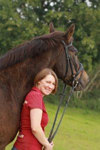 Anja Rothkugel DIPO-Pferdephysiotherapeutin - Qualifikationen und Zertifikate